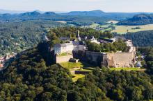 View from west to Königstein Fortress - aerial photography © Procopter / Festung Königstein gGmbH